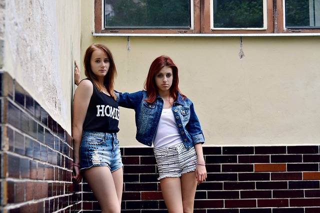 dospívající kamarádky
