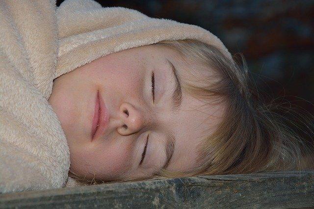 spánek venku