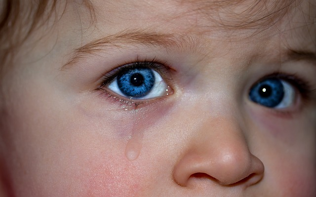 pláč dítěte