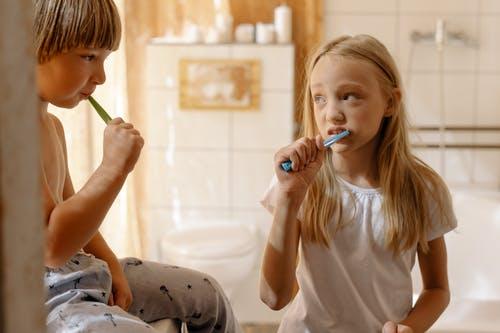 Jak se správně postarat o dětské zoubky a kdy je dobré vzít dítě k zubaři?