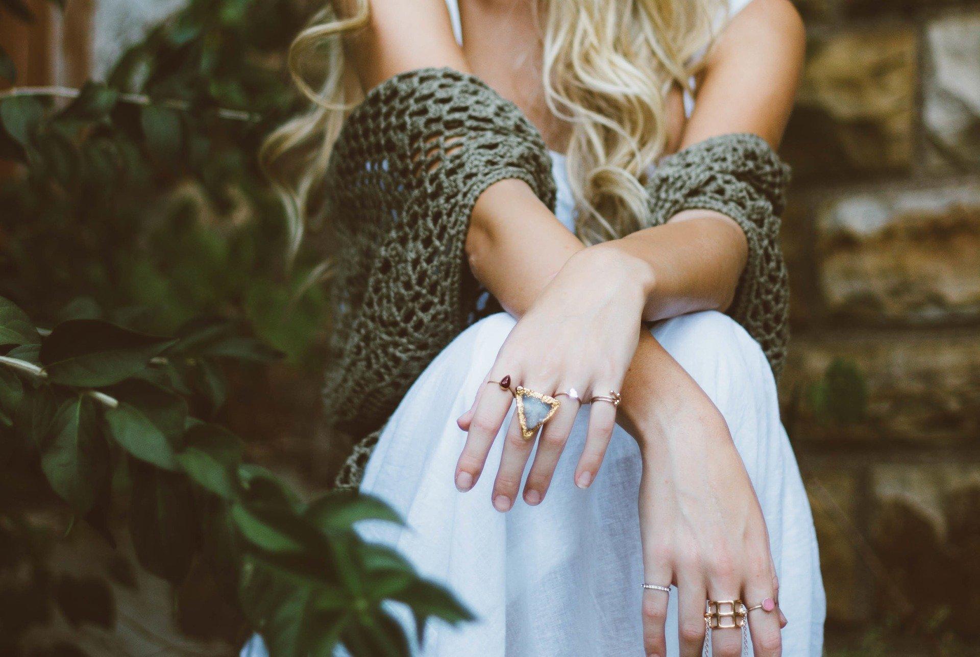 ruce šperky
